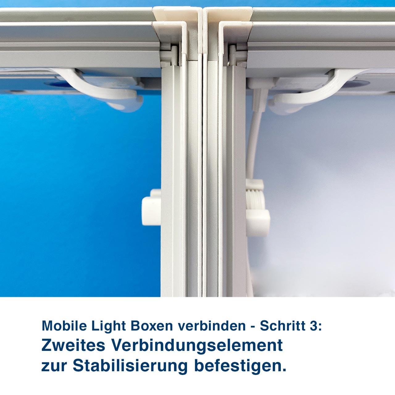 Mobile Light Boxen verbinden - Schritt 3:  Zweites Verbindungselement zur Stabilisierung befestigen.