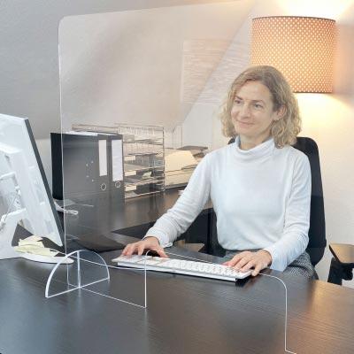 Spuckschutz Plexiglas – auf Wunsch mit Durchreiche