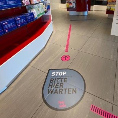 Fußbodenaufkleber, Ø 15 cm »feel safe« Richtungspfeil